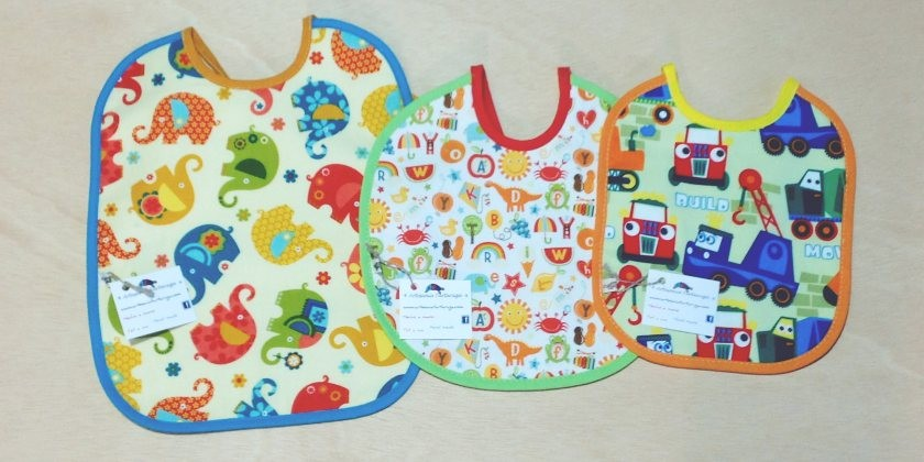 Handmade bibs for the different needs or stages of babies (2/3)