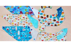 Handmade bibs for the different needs or stages of babies (3/3)