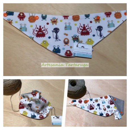 Baby bandana bib with printed fabric